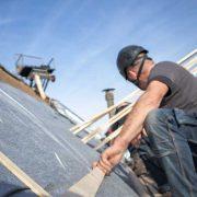 Pannenlatten leggen op een schuin dak Dakcentrale Nederland