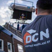 Dakcentrale Nederland maakt gebruik van professionele pannenlift voor dakwerk